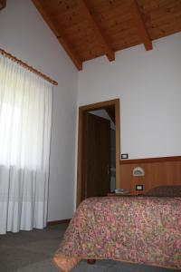 Garnì Goccia d'Oro - Hotel - Cavalese
