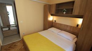 Apartment in Malinska/Insel Krk 12950, Apartments  Malinska - big - 6