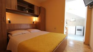 Apartment in Malinska/Insel Krk 12950, Apartments  Malinska - big - 11