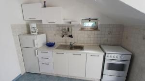 Apartment in Malinska/Insel Krk 12950, Apartments  Malinska - big - 12
