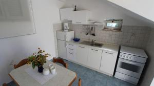 Apartment in Malinska/Insel Krk 12950, Apartments  Malinska - big - 13