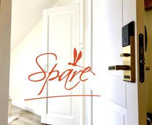 Spare Hotel - Tīraine