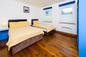 An Capall Dubh B&B, Bed and Breakfasts  Dingle - big - 26