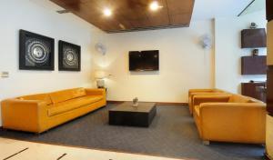 Hotel Aura, Отели  Нью-Дели - big - 139