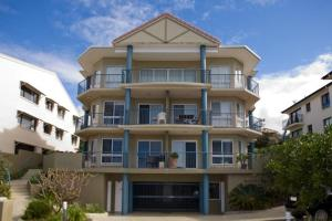 Pacific Waves Apartments
