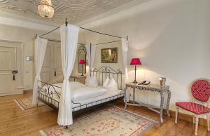 Hotel Orphée - Großes Haus, Hotel  Ratisbona - big - 13
