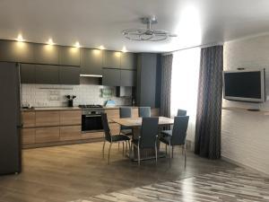 Уютная квартира на Интернациональной - Samosyrovo