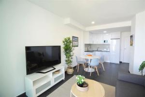 Exclusive apartment, 1 bedroom in Benalbeach