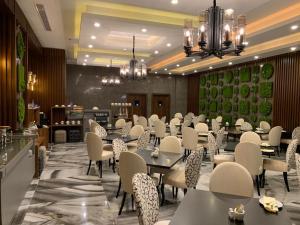 Q Suites Jeddah by EWA, Hotely  Džidda - big - 57