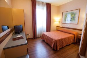 Hotel Esperia, Отели  Ро - big - 34