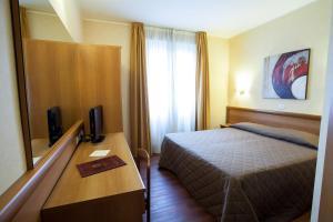 Hotel Esperia, Отели  Ро - big - 31