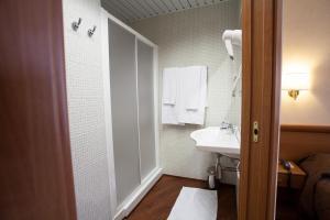 Hotel Esperia, Отели  Ро - big - 56