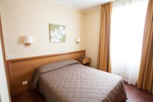 Hotel Esperia, Отели  Ро - big - 57