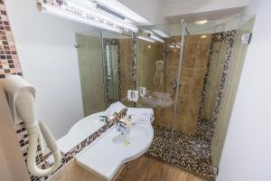 Hotel Casa David, Hotely  Craiova - big - 24