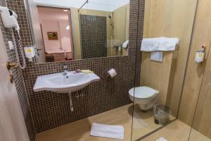 Hotel Casa David, Hotely  Craiova - big - 32