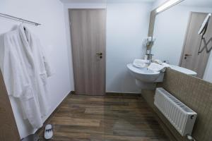 Hotel Casa David, Hotely  Craiova - big - 5