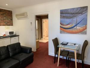 Ensenada Motor Inn and Suites, Motelek  Adelaide - big - 77