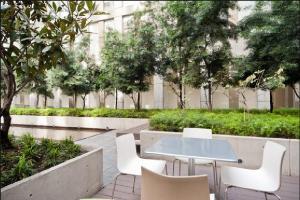 Puerta Alameda Suites, Apartmány  Mexiko - big - 33