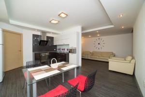 Apartment 5 stars на ул. Университетской набережной 76 - Chernyakovskiy