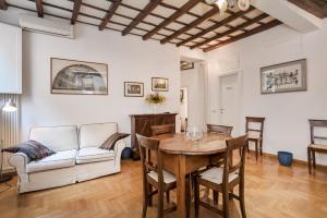 Campo de' Fiori Apartment - abcRoma.com