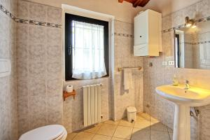 San Donato in Collina Apartment Sleeps 4 T241356