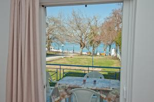 Deluxe Two-Bedroom Apartment with Sea View - Ground Floor