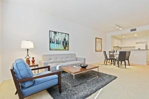 Global Luxury Suites at The Village - Apartment - Irvine