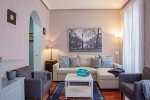 Cute and quirky 3bed 2min to tube in Retiro