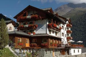 Santa Caterina Hotels