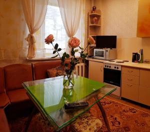 Apartment on ulitsa Skuridina 6 - Khasyn-Ugol'