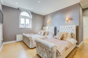 The West End Gem - 3 Bedroom Apartment