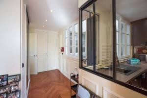 Lovely spacious & bright 2-bedroom near Montmartre
