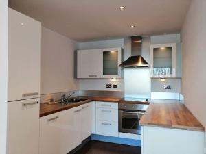 Lovely Contemporary Flat Excel, London