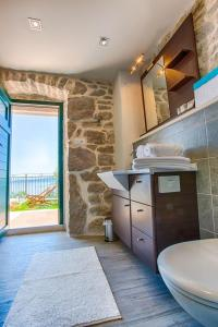 ctbr203/ Stone house with private pool