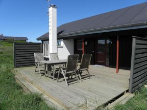 Holiday Home Kjul 065002