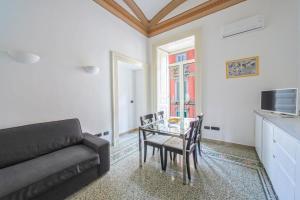 Casa Dante Historic apartment in the perfect Naples location