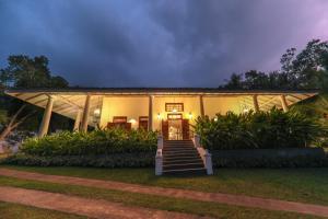Thompson Manor (A Luxury Villa in Galle), Vily  Gálla - big - 59