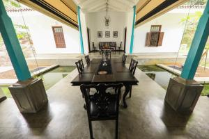 Thompson Manor (A Luxury Villa in Galle), Vily  Gálla - big - 65