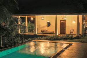 Thompson Manor (A Luxury Villa in Galle), Vily  Gálla - big - 2