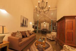 Thompson Manor (A Luxury Villa in Galle), Vily  Gálla - big - 4