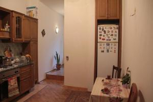 Guest House on Hasan Seyidbeyli 31, Homestays  Baku - big - 13