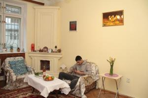 Guest House on Hasan Seyidbeyli 31, Homestays  Baku - big - 9