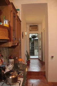 Guest House on Hasan Seyidbeyli 31, Homestays  Baku - big - 11