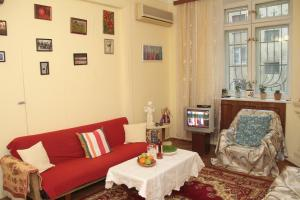 Guest House on Hasan Seyidbeyli 31, Homestays  Baku - big - 8