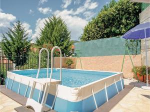 Apartment La Trinite 29 with Outdoor Swimmingpool, Apartments  La Trinité - big - 10