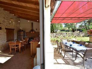 Maison De Vacances - St. Genies, Ferienhäuser  Saint-Crépin-et-Carlucet - big - 6