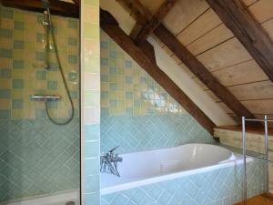 Maison De Vacances - St. Genies, Ferienhäuser  Saint-Crépin-et-Carlucet - big - 33