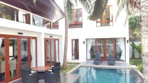 Pranaluxe Pool Villa Holiday Home - Ban Tha Khoi