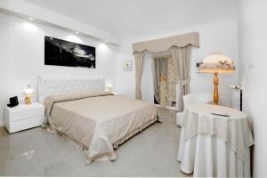 Ludovisi Barberini Apartment for Short Rental - abcRoma.com