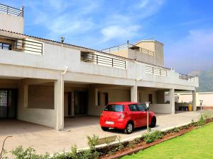 TRiPViL Two 3BHK & Two 4BHK with Private Pool each